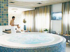 Gewinne mit Säntispark 5 Family-Weekends im 4-Sterne-Hotel Säntispark mit freiem, unbeschränkten Eintritt in die Bäder- und Saunawelt!  Dazu kannst du im Wettbewerb 500 Gratis-Eintrittskarten für den Säntispark gewinnen.  Mach hier mit: http://www.gratis-schweiz.chgewinne-family-weekends-im-4-sterne-hotel-saentispark  Alle Wettbewerbe: http://www.gratis-schweiz.ch