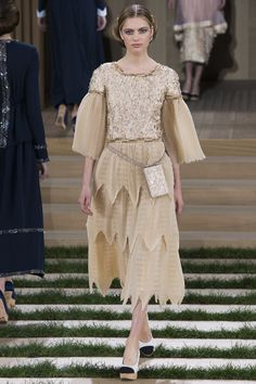 http://www.vogue.com/fashion-shows/spring-2016-couture/chanel/slideshow/collection