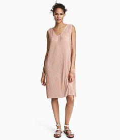 Plisserad klänning   Puderrosa   Dam   H&M SE