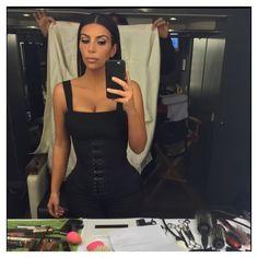 5410fe5a77 Kim Kardashian annonce sa deuxième grossesse Kardashian Fashion