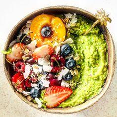 "Say Yes To Healthy on Instagram: ""Green smoothie for breakfast never goes wrong 🥰💞 💚💚💚 . . ⭐️ Công thức - nửa trái chuối đông lạnh 🍌 - nửa trái bơ 🥑 - 1 trái táo🍏 - 1 nắm…"" Acai Bowl, Smoothie, Breakfast, Green, Instagram, Acai Berry Bowl, Morning Coffee, Smoothies, Morning Breakfast"