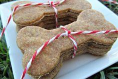 Apple Saucer Biscuits www.kellysgourmetdoggie.com
