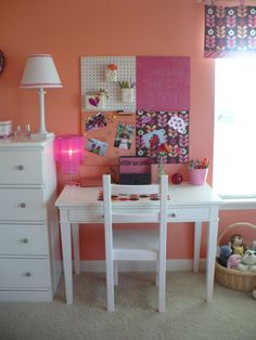Fun, Bright, Tween Room!