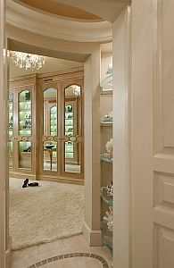 Great closets are almost aphrodisiacs....so fun to create, so fun to have!