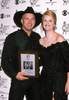 Garth Brooks Trisha Yearwood Baby | ... All Trisha Yearwood Pictures : Garth Brooks and Trisha Yearwood - 1998