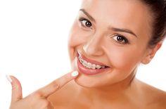 5 conseils pour blanchir vos dents si vous portez des bagues ou un appareil dentairenoté 3.6 - 9 votes Pas facile de laver ses dents en profondeur quand on porte un appareil dentaire ! Votre pire cauchemar : des taches brunes au milieu de vos dents alors délivréesde leur carcan, à l'endroit même où l'on … More