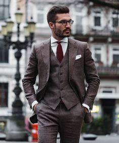 Most current Snap Shots hipster Business Outfit Tips, Mens Tweed Suit, Tweed Suits, Brown Tweed Suit, Wool Suit, Tweed Wedding Suits, Vintage Wedding Suits, Vintage Groom, Chic Wedding, Brown Suits