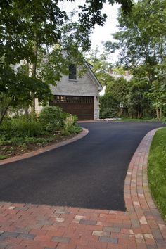 Highland Park Shade Garden and Patio - Traditional - Landscape - Chicago - by Van Zelst Inc Driveway Entrance Landscaping, Modern Driveway, Garden Landscaping, Landscaping Design, Front Garden Ideas Driveway, Circular Driveway, Luxury Landscaping, Landscaping Company, Driveway Border