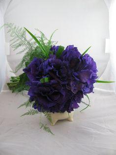 Elegant Fall Modern Spring Summer Vineyard Vintage Winter Purple Bouquet Wedding Flowers Photos & Pictures - WeddingWire.com