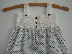 vestido-de-nina-en-popelina-lunares-negros-y-canesu-crochet-4926-MLU4940433675_082013-O.jpg (500×375)