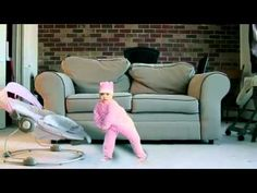 Un bébé qui danse le Gangnam Style