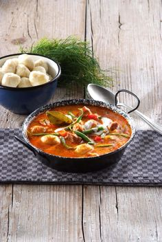 One Pot Meals, Thai Red Curry, Ethnic Recipes, Desserts, Food, Tailgate Desserts, Deserts, Essen, Postres
