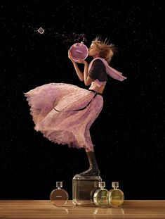 First look at Chanel Chance Eau Tendre/Eau Vive fragrances 2016 advertising campaign captured by fashion photographer Jean-Paul Goude with styling from Alex . Perfume Chanel, Anuncio Perfume, Jean Paul Goude, Perfume Adverts, Chance Chanel, Fashion Advertising, Advertising Campaign, Belle Photo, Fashion Photography