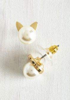 Smiles Purr Hour Earrings. Delight those around you in record time with these gold kitty earrings! #gold #modcloth