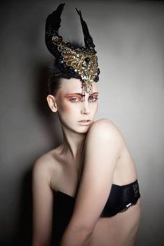 Photographer: Incarda DesEYEn (Tanja El Kabid) Designer/Makeup: Miriam Paul Model: Laura Becker