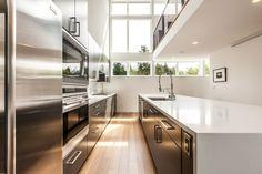 Kitchen  Aurea Residence / Chris Pardo Design: Elemental Architecture