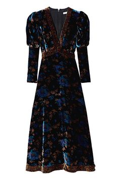 Dark, dreamy florals bloom on the lush velvet of our long-sleeve Solstice Floral Velvet Dress. Pretty Outfits, Pretty Dresses, Beautiful Dresses, Boho Fashion, Autumn Fashion, Fashion Dresses, Velvet Fashion, Winter Dresses, Dream Dress