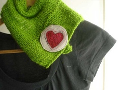 free stitch fabric brooch