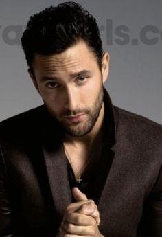Italian bad boy look! Noah Mills, Canadian Models, Hot Hunks, How To Be Likeable, Back Muscles, Raining Men, Beautiful Men, Beautiful People, Perfect Man