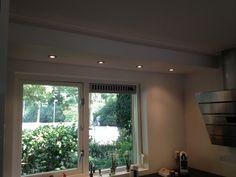 Woonkamer Verlichting Plafond : Verlaagd plafond in de keuken met ...