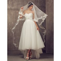 One-tier Cathedral Wedding Veil With Applique Edge – USD $ 49.99