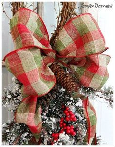 How to make a Christmas bow from Jennifer Decorates.com