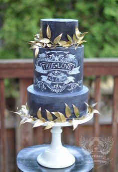 True Love Chalkboard cake- there's more fun chalkboard cakes on this site. Very cool!