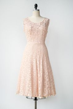 Vintage Pink Dress Trends For Fall - Gossip Style 1950s Party Dresses, Vintage Dresses, Vintage Outfits, Vintage Fashion, Dress Name, Dress Me Up, Vintage Clothing Online, Online Clothing Stores, Sexy Cocktail Dress
