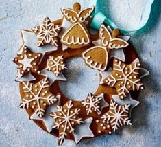 star and angel gingerbread cookie wreath