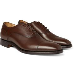Brown shoes are an essential for anyone with a suit. However, a quality pair of brown shoes are a must.