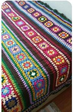 Transcendent Crochet a Solid Granny Square Ideas. Inconceivable Crochet a Solid Granny Square Ideas. Crochet Afghans, Crochet Bedspread, Crochet Quilt, Granny Square Crochet Pattern, Afghan Crochet Patterns, Crochet Squares, Crochet Granny, Crochet Yarn, Blanket Crochet