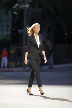 Boss Lady: 5 Ways to Look Elegantly Powerful - Lioness Woman's Club