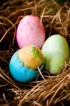 huevos rellenos de bizcocho