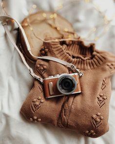 Fotografia produktowa - Aranżowane zdjęcia produktowe   Voska Studio --- Camera / flatlay photography