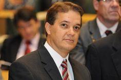 CAnadauenCE tv: Carlinhos Almeida ex prefeito de São José dos Camp...