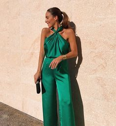 Discover recipes, home ideas, style inspiration and other ideas to try. Classy Outfits, Chic Outfits, Dress Outfits, Fashion Dresses, Dress Up, Romper Outfit, Elegant Outfit, Elegant Dresses, Fiesta Outfit