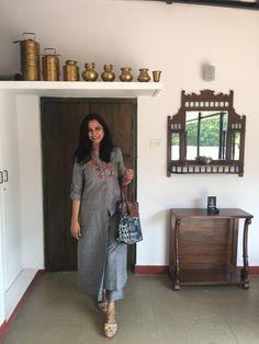 Try this fabric n pattern Home Interior, Interior Design Living Room, Interior Decorating, Ethnic Home Decor, Indian Home Decor, India House, Village House Design, Indian Interiors, Kurti Patterns