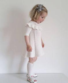 Halv pris på mønster til dansekjolen og matroskjolen på ministrikk.no Da rekker du å bli ferdig til jul #ministrikk #dansekjolen #julmedministrikk #julestrikk #snartjul