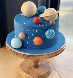 Beautiful Cake design for kids birthday Beautiful Cake Designs, Beautiful Cakes, Solar System Cake, Cake Designs For Kids, Planet Cake, Galaxy Cake, Cake Mix Cookies, Cute Cakes, Themed Cakes