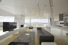 Bondi Beach Penthouse by MPR Design Group. Check all the pics here: http://www.homeadore.com/2012/10/15/bondi-beach-penthouse-mpr-design-group/