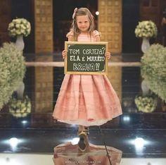 Ela é muito brava! Vintage Kids Photography, Last Minute Wedding, Dream Wedding, Wedding Day, Wedding Games, Wedding Favors, Wedding Arrangements, Wedding Preparation, Marry Me