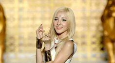 Park Sandara Platinum Blonde