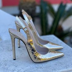 Stiletto Shoes, High Heels Stilettos, Shoes Heels, Nylons Heels, Italian Shoes, Gold Shoes, Brown Heels, Dream Shoes, Womens High Heels