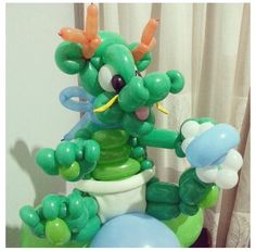 Baby dinosaur balloon animal #baby #dinosaur  #balloon #animal #sculpture #twist #art