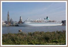 Cruiseboot in Antwerpen