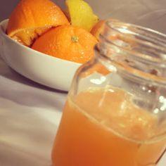 DIY detox juice recipe with grapefruit orange and lemon Ginger Detox, Lemon Detox, Healthy Juice Recipes, Healthy Juices, Water Recipes, Lemon Recipes, Juicy Juice, Homemade Detox, Oranges And Lemons