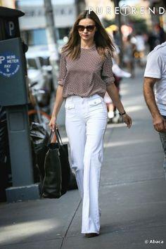 Look de trabalho com calça de alfaiataria branca