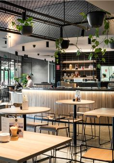 Vertical bar cladding raw wood but elegant Coffee Shop Interior Design, Bakery Interior, Coffee Shop Design, Restaurant Interior Design, Cafe Design, Industrial Restaurant Design, Modern Restaurant, Cafe Bar, Eco Design