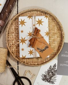 Paketointi kruunaa lahjan! Kääri paketit kotimaisiin ja ekologisiin lahjapapereihin. #by_kohteessa #joulu #joululahjat #joululahjojenpaketointi #paketointiideat #kotimainen #ekologinen #kortit #fathersday #giftwrapping #giftwrappingideas Joko, Inspired Homes, Wraps, Wrapping Papers, Inspiration, Home Decor, Biblical Inspiration, Decoration Home, Room Decor