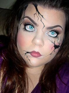 Amazing broken doll Halloween make-up, may have to try this one! Black Halloween Makeup, Halloween Vintage, Halloween Look, Halloween Tags, Women Halloween, Halloween Halloween, Halloween Decorations, Broken Doll Makeup, Cracked Doll Makeup
